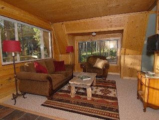 Secluded Chalet * Fawn Trail Junction - Romatic Getaway - Spring Break