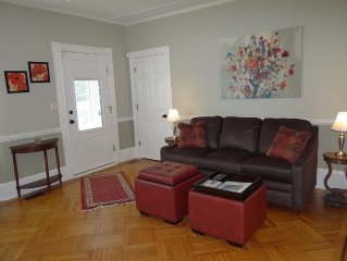 Beautiful, modern, family-friendly home that is steps from the harbor and sites
