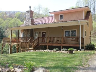 Contemporary Mountain Vacation Home; Wi-Fi Internet and Spectrum Cable TV