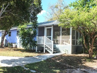 Affordable Paradise!! (Very Close To Downtown No Car Needed)