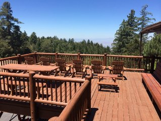 Luxury Hilltop Log Cabin On 4.5 Acres with Great Views