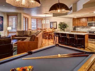 Ski in/out 3 BR Luxury Condo on Main St. Hot Tub. Pool Table. Wifi. Brand New!