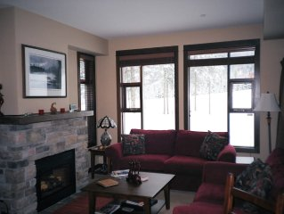 Mountain View,private hot tub, modern, elegant, cozy ski in ski out co