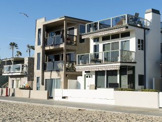 Oceanfront Beach house: steps away from beach, pier, and business district.