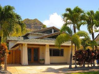 Diamond Head, Pool, AC, Walk from Waikiki & Beach, Beautiful Interiors