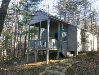 Newly renovated lakeside cottage on pristine Great East Lake - Smoke Free