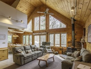 Waterville Estates Log Home Getaway