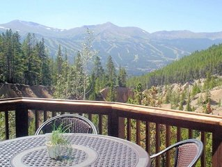 Spectacular Views of Breckenridge, 4 Bed 4 Bath, Private Hot Tub,