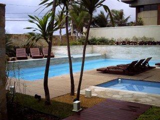 Luxuoso Flat no MANDAI de frente para praia do Forte com área de lazer completa