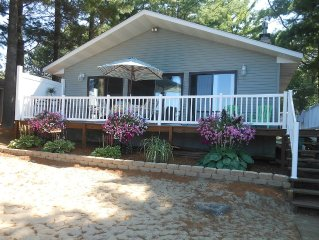 Cottage Cute 3 bedroom Rental Sleeps 8 Comfortably on Upper Silver Lake
