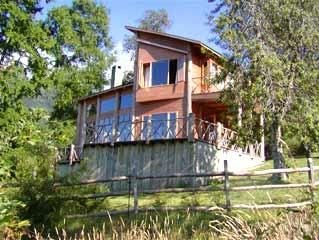 Vacation Rental. Own river  with Mountain Views. Near Pucon