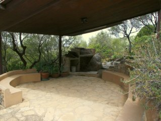 House On 2 Levels, Luxurious Garden, Outside Shower, Stunning View!