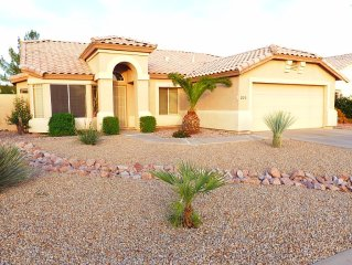 4 Bed, 2 Bath House - NetFlix & Fast Wifi Internet - GOLF, SHOPPING & LOW RATES!