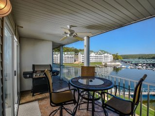 Fabulous 2BR Parkview Bay Walk-In Level by the Pool, W-Fi, Boat Docks Available