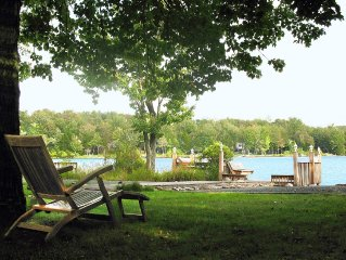 Charming Lakefront Cottage, Private Beach, Spectacular Views
