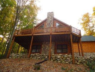 Beautiful Full Log Home in Hawks Eye - Minutes to Shanty Creek