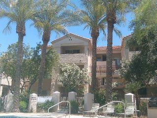 Beautiful 1 bedroom condo 20 minutes from downtown Phoenix