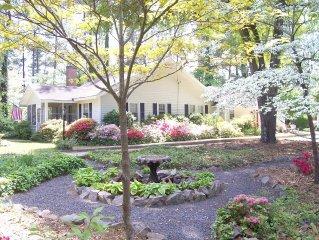 Arundel Garden Cottage in Historic District! Jacuzzi Hot Tub! Backyard Putting!