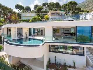 Prestige Luxury Villa,  Walk To The Beach