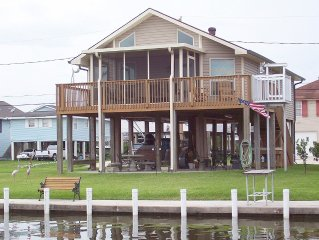 'Waterfront Rental with all the Comforts of Home - Dock, Patio & BBQ Grill '