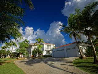 Experience the Resort living and paradise by staying at this beautiful house!