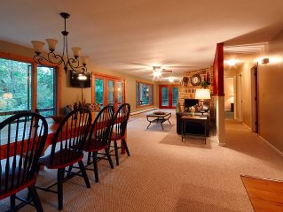Private Riverfront 4 Bedroom Home On Mohican River (Wally Road/Gas Fireplace)