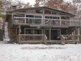 Mountain Top Chalet with Fantastic Views, Location, Location, Location!