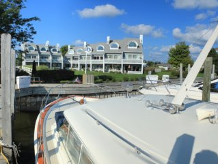 Waterfront Condo Minutes from Grand Haven State Park & Boardwalk