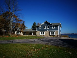 Bay Front Home With Private Beach And Views Of Downtown, Old Mission Peninsula