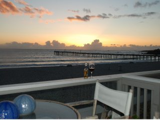 Fantastic Ocean Views-Beach Access-One Rooftop Away from the Ocean
