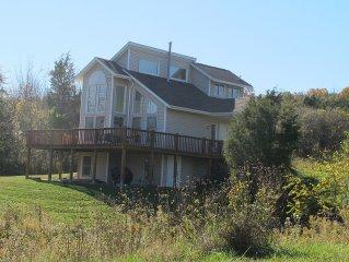 Seneca Lake luxury home-Canoe, Ping Pong, Wineries,Watkins Glen.Play/Relax/Enjoy