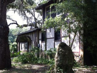 A Riverside paradise awaits you at the secluded Riverhouse cottage!
