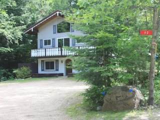Amazing Family Chalet with Wi-Fi, Cable & A/C: Next to StoryLand!