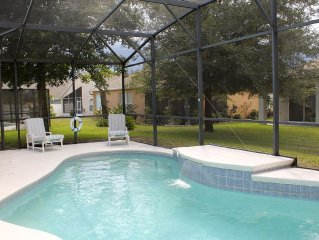 DISNEY IN 20 - Private Pool, WIFI, 2 Master Bdrm's/en suite, gated community