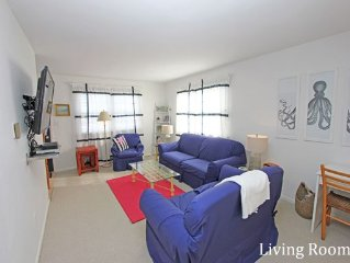 Bright and Spacious Single Family Rental - Close To Beach & Shops  - Sleeps 10!