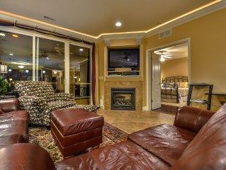 Top-Floor Lands End Luxury Condo - Elevator - Waterpark - Pool - Wi-Fi & More!