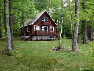 Perfect Getaway Lakefront Chalet, Private Beach - Save $200 in May, June or Sept