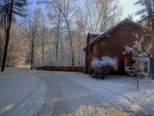 Cozy guesthouse studio, private woodland setting,