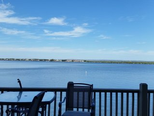Beautiful Waterfront Townhome Near Yacht Club On Lake Lbj - Private Docks