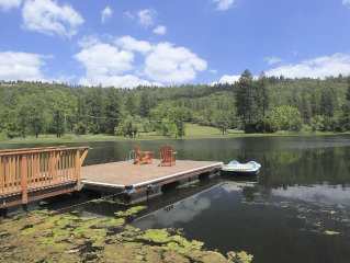 Lake House with Privacy & Space for Large Groups