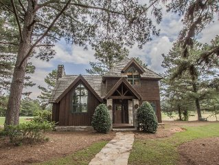 Charming Golf Cottage Overlooking The 9th Hole Of The Cuscowilla Golf Course
