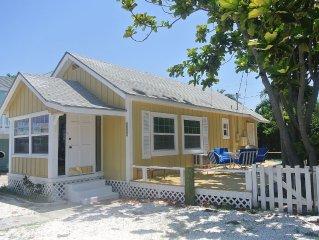 Adorable Cottage on Sunset Beach, Treasure Island