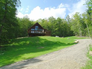 Magnificent Mountain Top Log Cabin with Views - for the Outdoor and Nature Lover