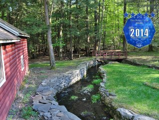 Three Bridges Cottage Retreat- 3 streams, 4 acres Poconos Paradise w/ Amenities
