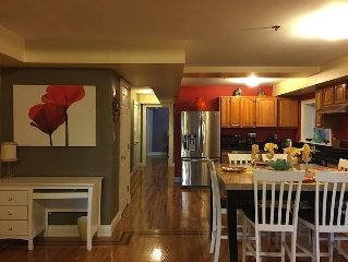 3 Bedroom And 2 Bathroom Apartment Approx. 20 Minutes Away From Times Square