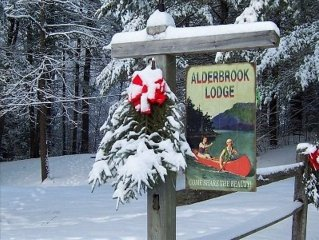 Alderbrook Lodge on Private Lake - Special Rates for Winter Ski Season