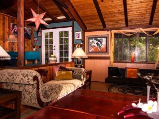 Quiet, artsy, romantic eco-home on five acre farm in North Kohala