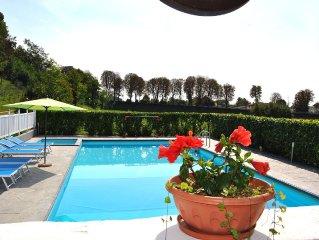 Villa con grande piscina, 12/14 persone, tra Venezia e le Dolomiti