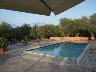 Villa con parco e piscina