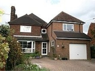 Spacious Detached House at the bottom of the north downs, rural kent location